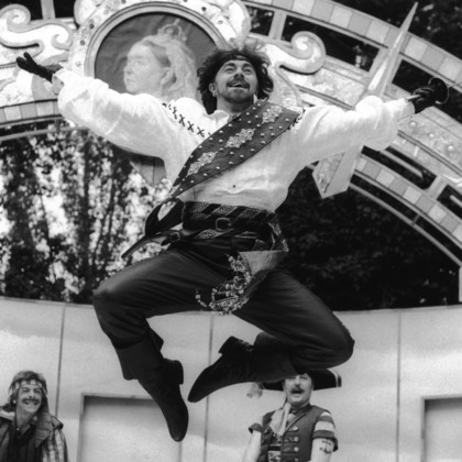 Ian Talbot in The Pirates of Penzance
